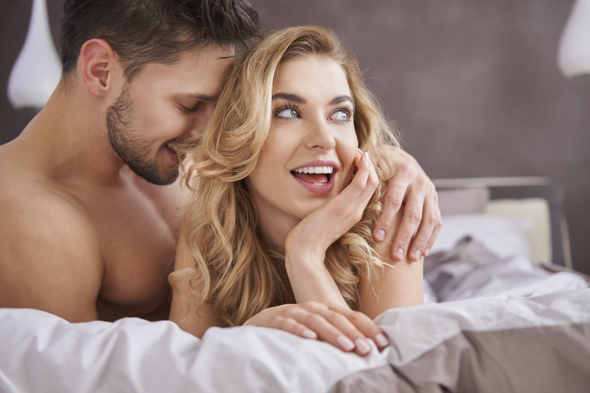 Любовные ублажения мужа красотка показывает
