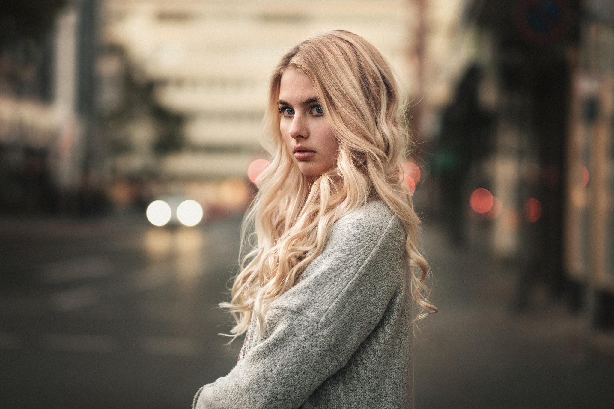 Blond girl year amateur creampie
