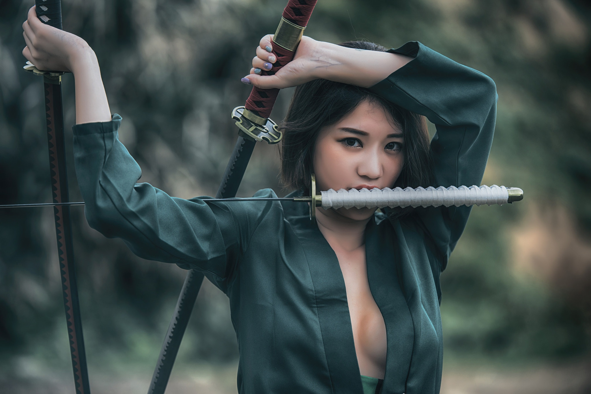 wife-asian-girl-with-sword-viet