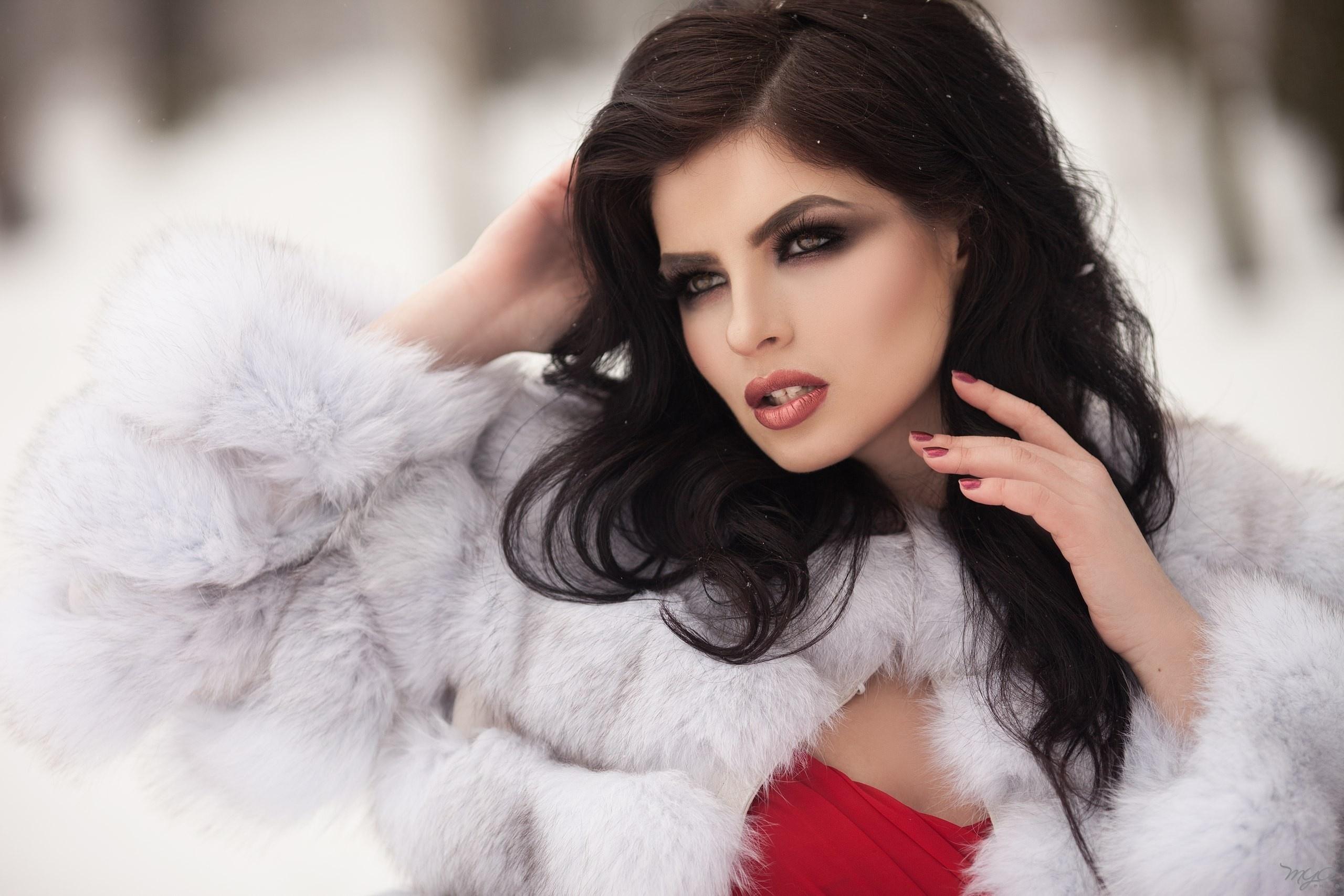 девушка брюнетка зима снег winter snow  № 2816670 загрузить