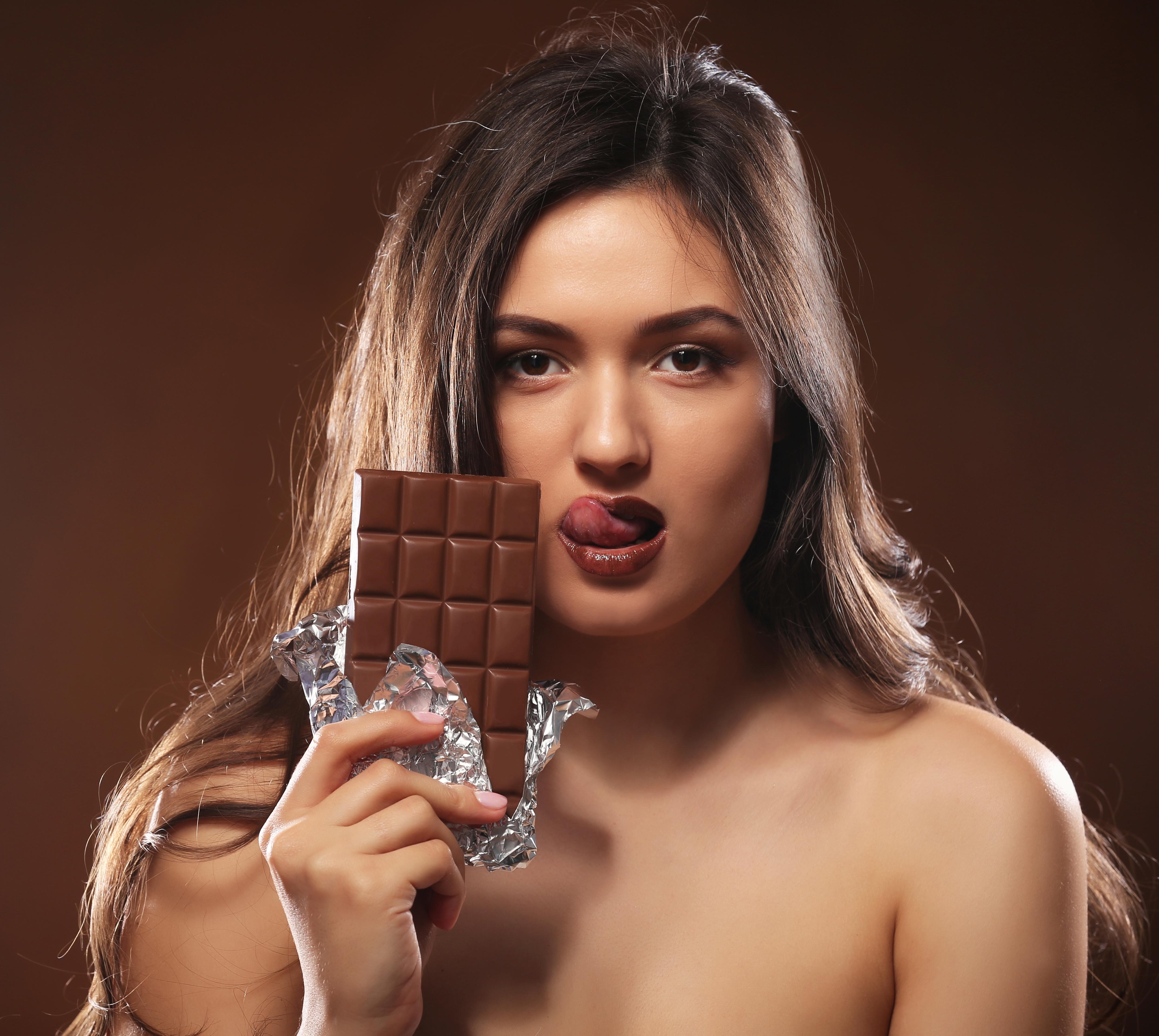 Смешные картинки про шоколад и женщин