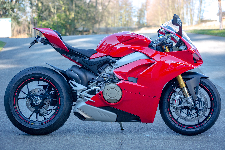Мотоцикл Ducati море  № 3435428 бесплатно