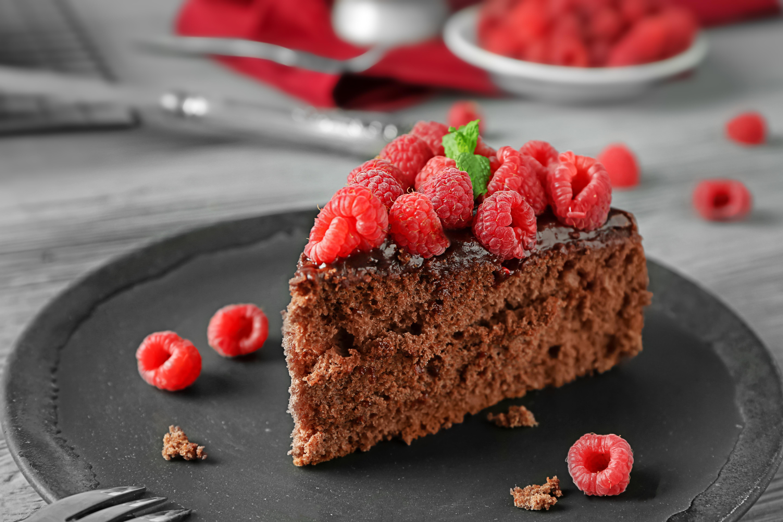 пирожное с малиной  № 145089 загрузить
