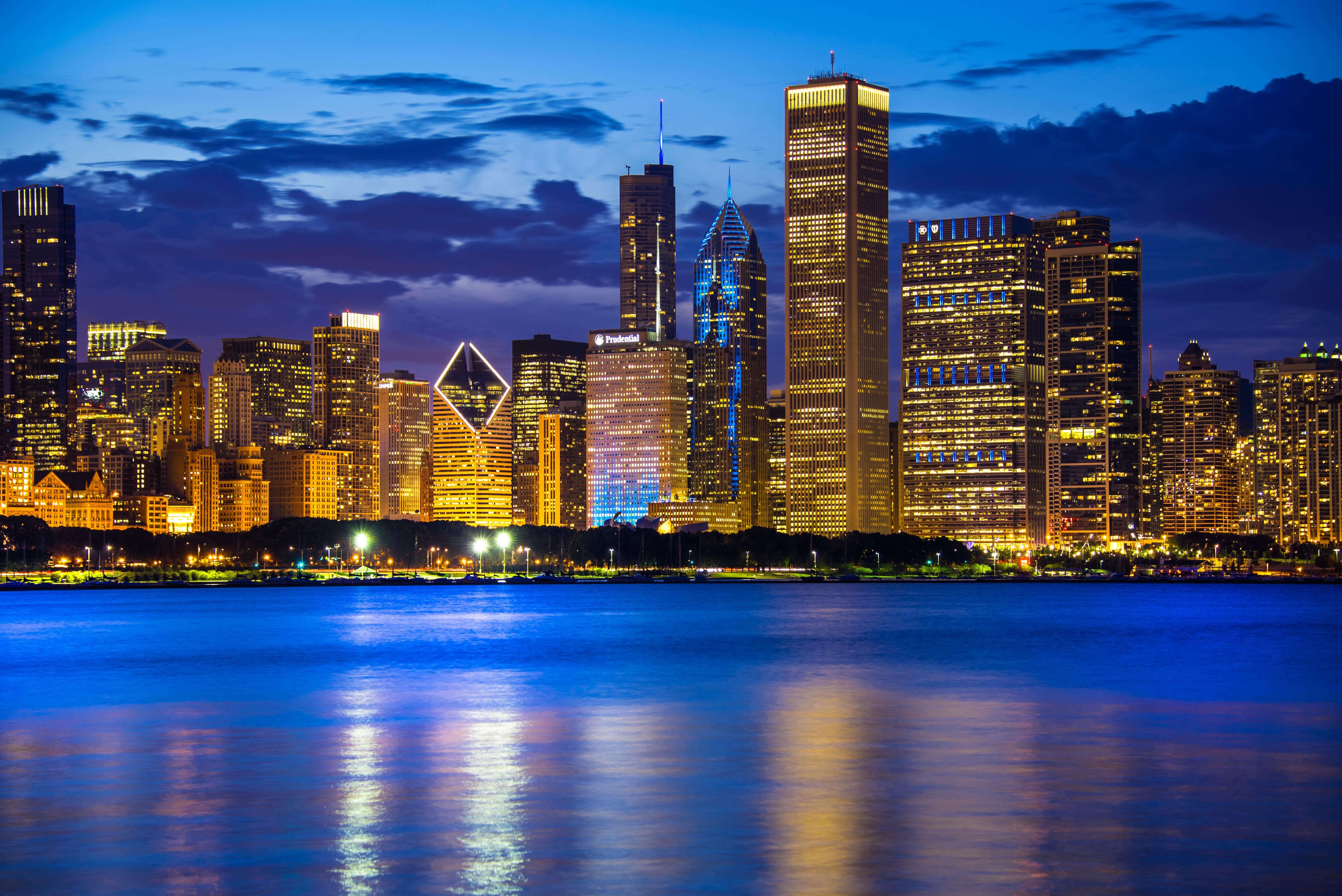Ночной порт в Чикаго  № 3504462 загрузить