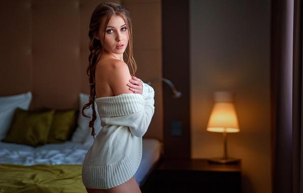 Picture look, girl, lamp, bed, jacket, shoulder, Eikonas