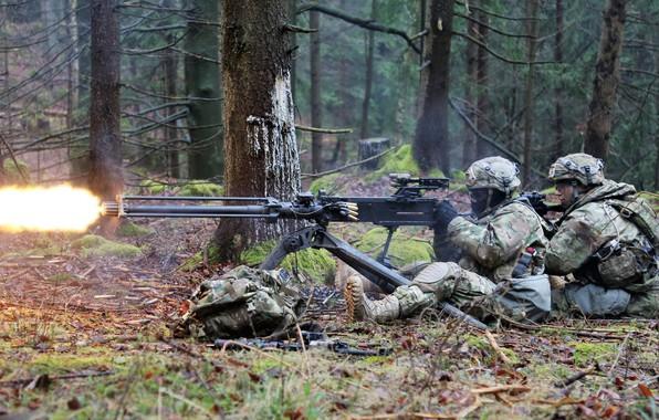 Picture army, soldiers, machine gun