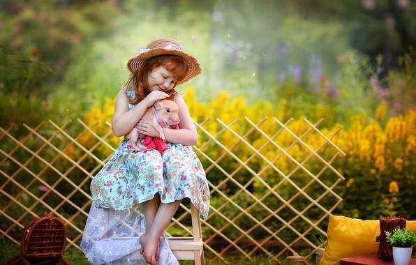 Picture dress, friendship, girl, hat, friends, bokeh, pig