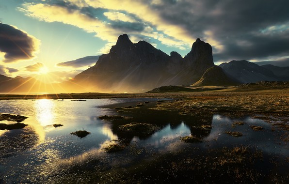 Picture light, mountains, morning