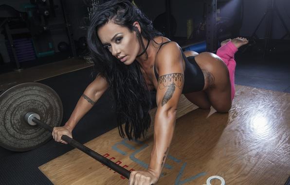 Picture brunette, workout, fitness, Sue Lasmar