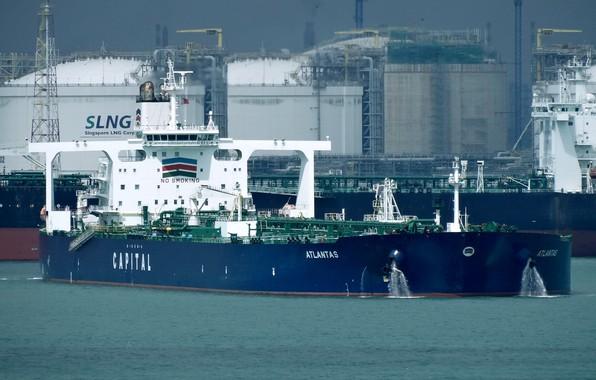 Photo wallpaper ship, terminal, a liquefied gas carrier, port