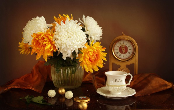 Picture table, watch, candy, Cup, vase, white, still life, chrysanthemum, yellow, saucer, tablecloth
