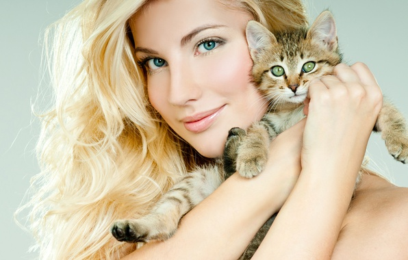 Picture look, girl, face, smile, hands, makeup, hairstyle, blonde, beautiful, kitty, closeup