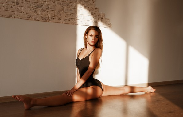 Picture swimsuit, pose, wall, twine, on the floor, Dasha, Alexander Sasin, Daria Lobova