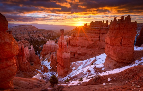 Picture the sun, light, snow, rocks, canyon, USA