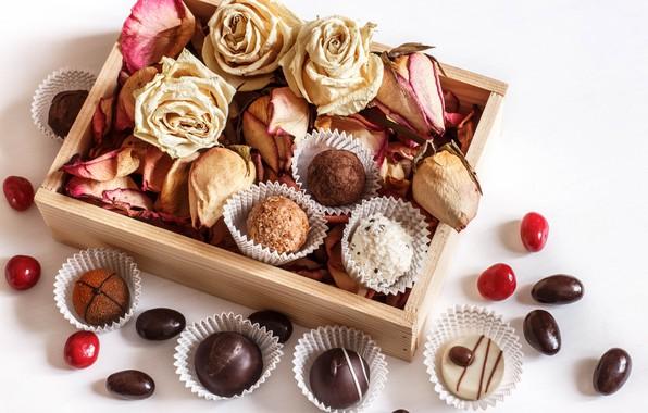 Picture box, roses, chocolates