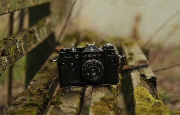 Picture yellow, green, retro, the camera, Zenit