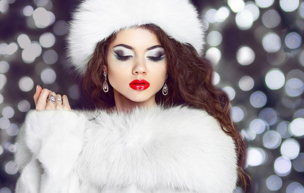 Picture girl, hat, hand, makeup, hairstyle, fur, earrings