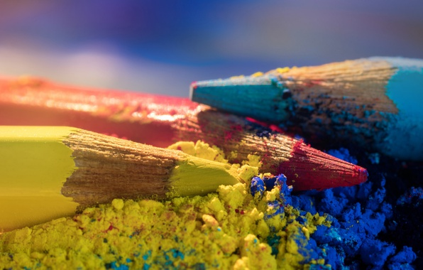 Picture macro, pencils, colored pencils