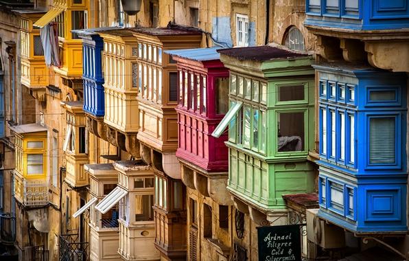 Picture Malta, Valletta, Traditional colourful balconies