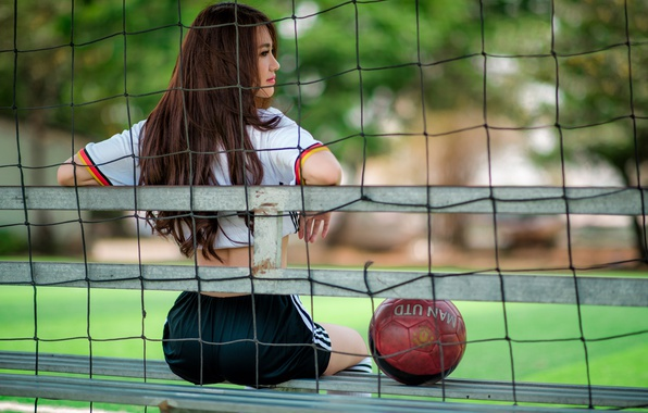 Picture girl, mesh, football, the ball, form, beauty, sitting