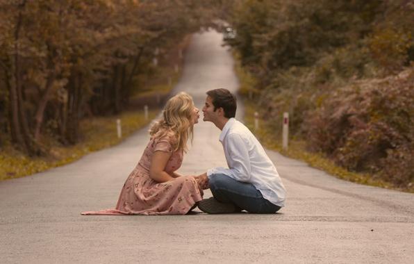 Picture love, road, kiss, couple, girlfriend, boyfriend