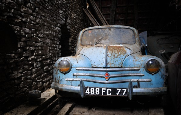 Picture machine, scrap, Renault 4CV