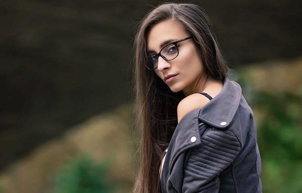 Picture girl, long hair, brown eyes, photo, photographer, model, lips, face, brunette, glasses, looking back, portrait, …