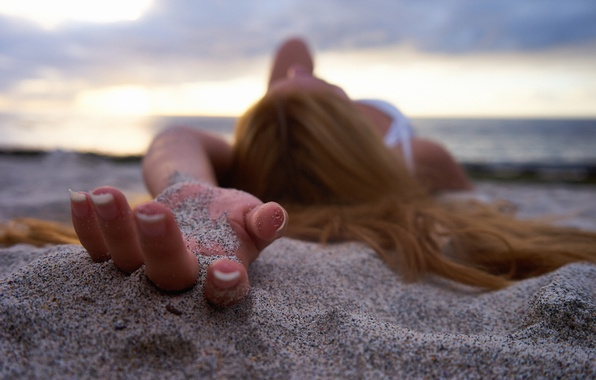 Picture sand, girl, macro, hair, fingers, manicure