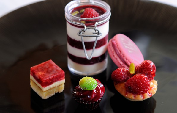 Picture berries, raspberry, strawberry, cake, cake, dessert, sweet, sweet, strawberry, dessert, berries, raspberry, macaron, macaron, Panna …