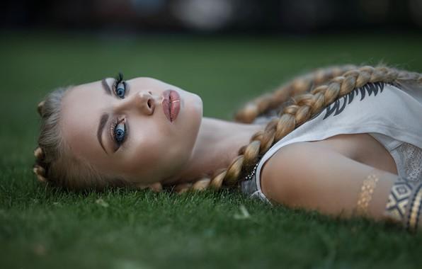 Picture makeup, sponge, braids, Dmitry Sn