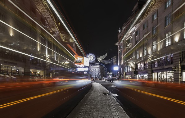 Picture London, Regent Street Buses, Light trails