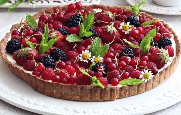 Picture berries, raspberry, chamomile, pie, currants, cakes