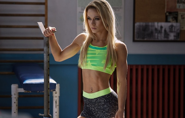 Picture girl, pose, makeup, Mike, figure, slim, piercing, hairstyle, blonde, shorts, sports, the gym, fitness model, …