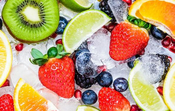 Picture ice, berries, kiwi, strawberry, lime, fruit, vitamins, grapefruit, BlackBerry, slices, garnet, blueberries