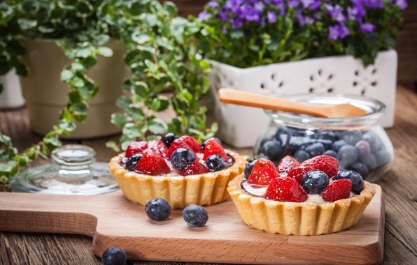 Picture berries, blueberries, strawberry, basket, dessert, sweet, sweet, cream, dessert, berries, delicious, tart, tartlet