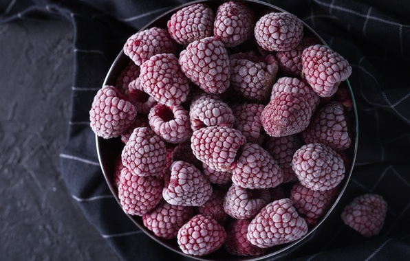 Picture frost, berries, raspberry, the dark background, background, food, Cup, fabric, bowl, frost, bowl, cold, frozen