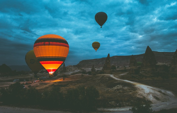 Picture the sky, clouds, balloon