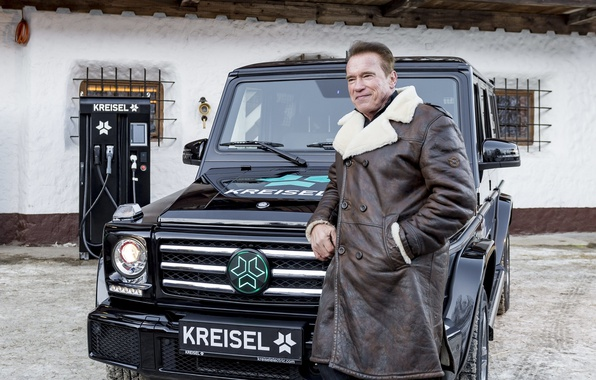 Picture Arnold Schwarzenegger, Mercedes-Benz, Arnold Schwarzenegger, Mercedes - Benz, Kreisel, Electric SUV, Kreisel Electric
