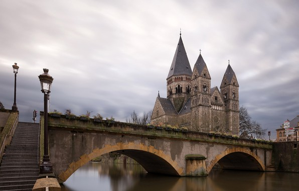 Picture the sky, clouds, clouds, bridge, river, France, home, lights, ladder, channel, temple, twilight, Palace, Metz