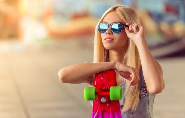 Picture the sun, background, glasses, hairstyle, blonde, skate, bokeh, skateboard