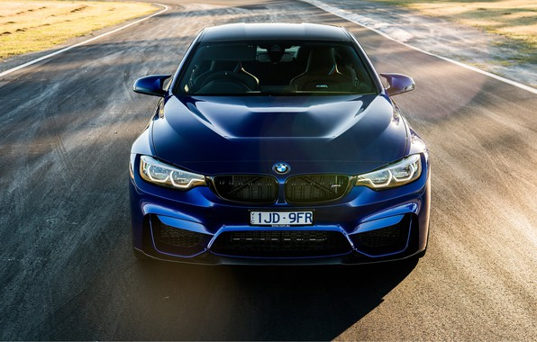 Picture sports car, front view, 2018, BMW M4 CS