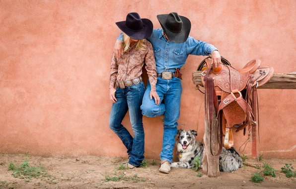 Picture woman, dog, man, cowboys, saddle