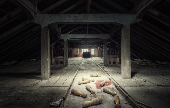 Picture sport, attic, abandoned bowling