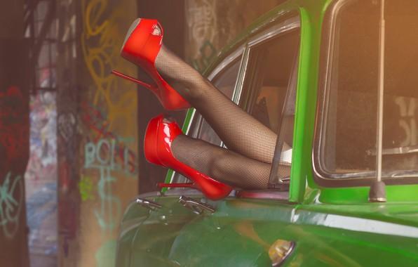 Picture shoes, legs, car