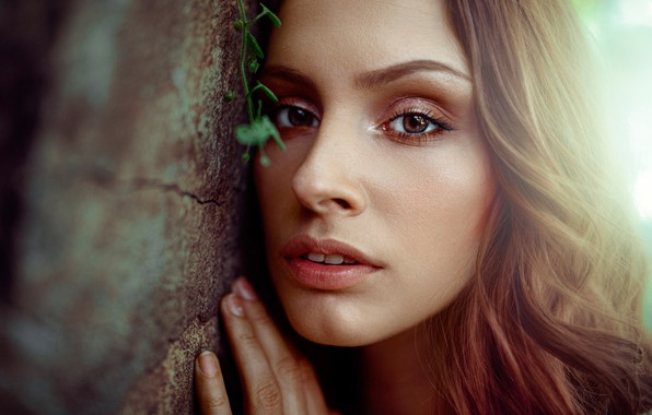 Picture look, close-up, face, wall, model, hand, portrait, makeup, hairstyle, brown hair, bokeh, Damian Feather