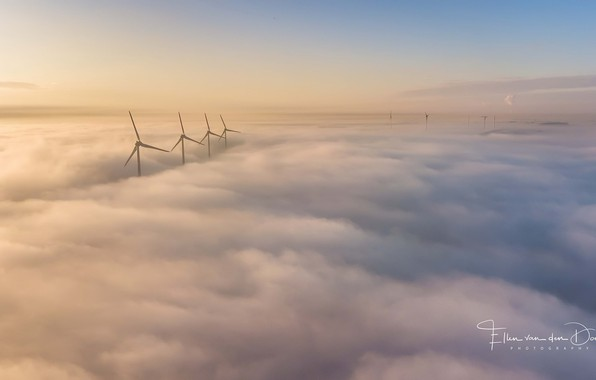 Picture the sky, windmills, obloka