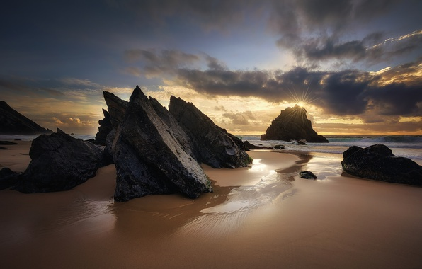 Picture sea, beach, the sun, rays, rocks