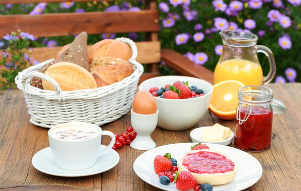 Picture flowers, berries, background, basket, egg, coffee, blur, Breakfast, blueberries, strawberry, juice, plate, bread, jam, buns