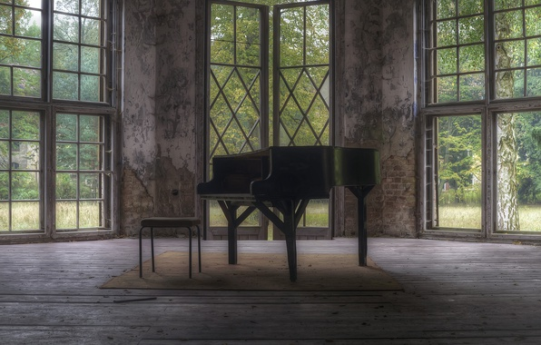 Picture room, chair, piano
