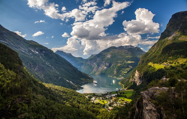 Picture the sky, clouds, trees, mountains, rocks, ships, valley, Norway, Sunny, the fjord, Geiranger Fjord
